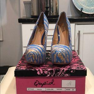 Qupid size 8 blue zebra print heels.